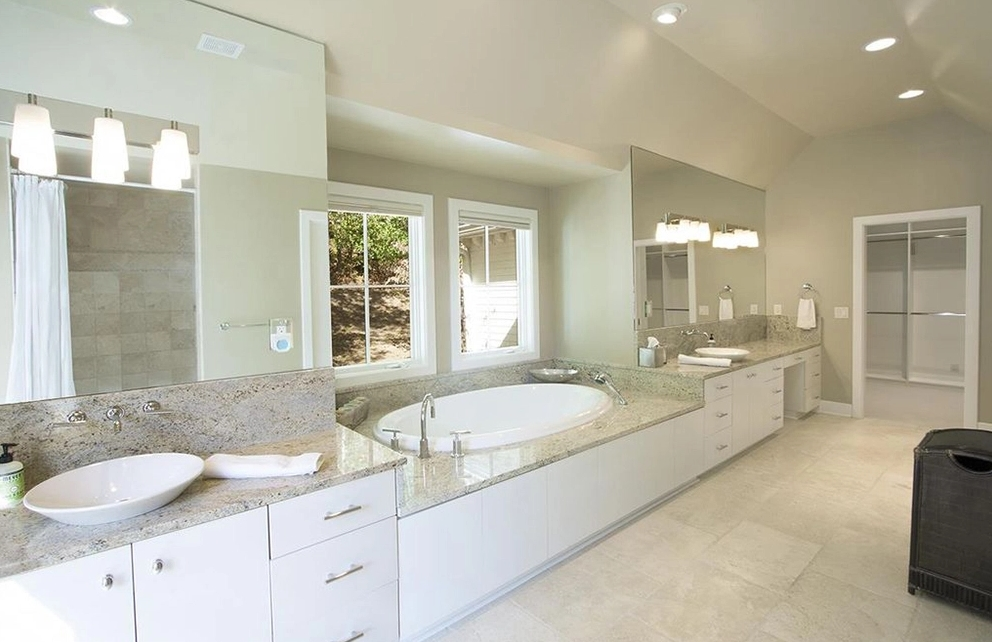 Spa Luxe Bathroom