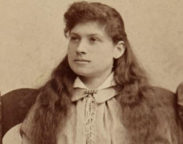Annie Oakley1