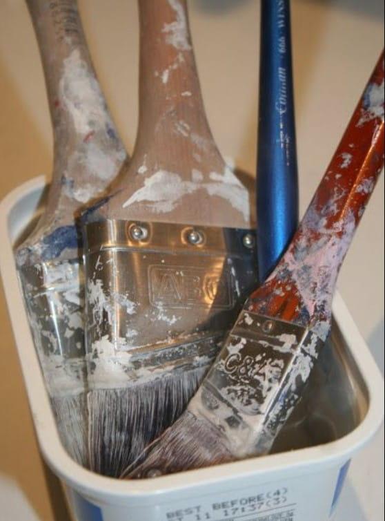Revive Hardened Paint Brushes