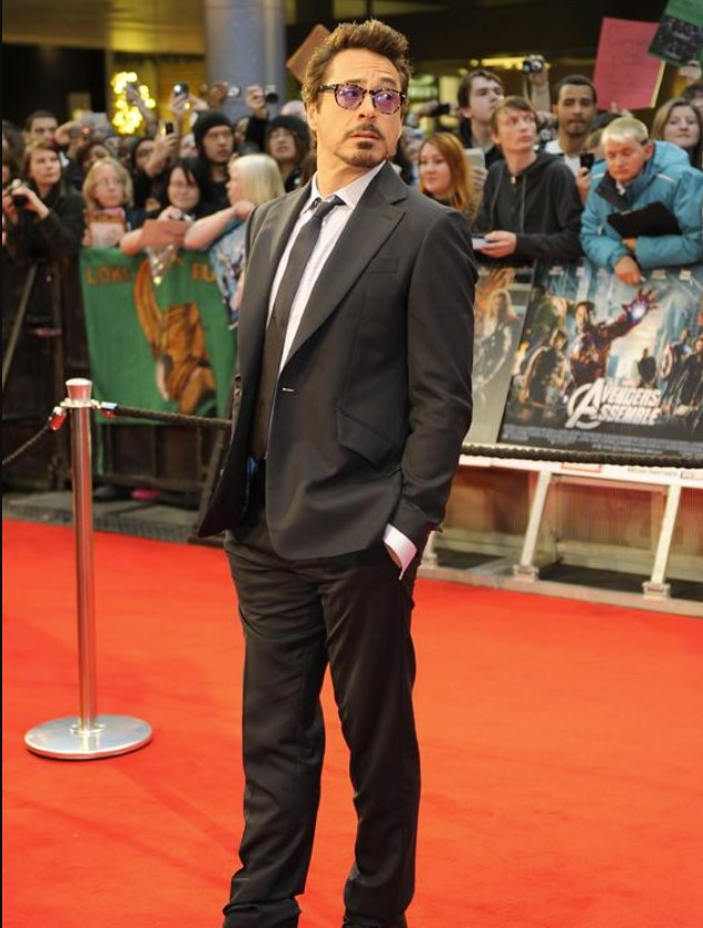 Robert Downey Jr. 5 Feet 9 Inches