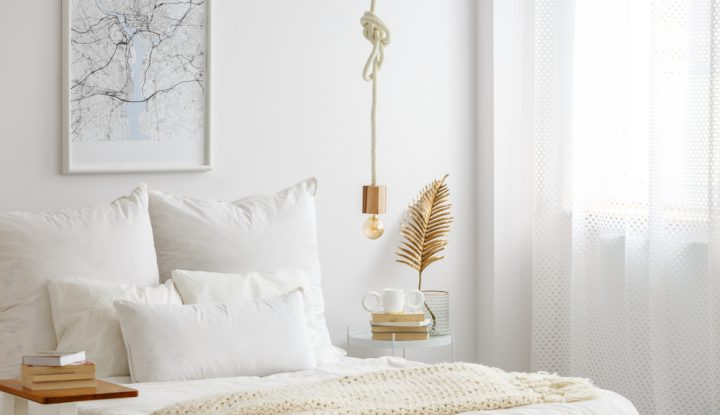 How To Add An Accent Color To Your Room Without Overdoing It