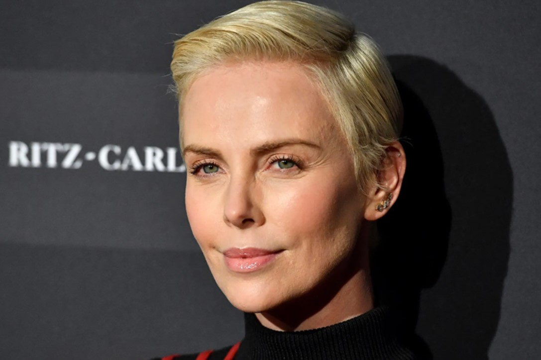 CHARLIZE THERON - SOUTH AFRICAN, AMERICAN